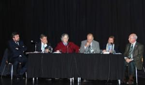 Alejandro Apo, Ariel Crespo, Jose Pablo Feimann, Eugenio Raul Zaffaroni, Carlos rozanski y Edgardo Form, en el panel del que formaron parte.