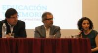 """El ministro de Educación de la Nación,Alberto Sileoni, y Pedro Mouratian, interventor del INADI, presentaron el libro """"Genocidio Armenio. Preguntas, respuestas y propuestas para su enseñanza"""", un material didáctico producido […]"""