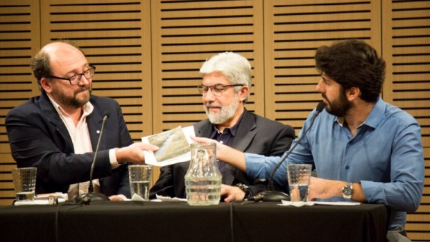 """El Museo Malvinas e Islas del Atlántico Sur fue sede el sábado 19 de noviembre de una charla titulada """"Derechos humanos, comunidades y territorios"""", en el que participaron el director […]"""