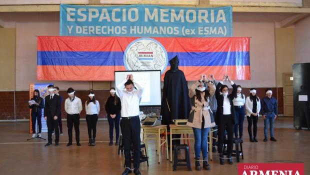 (Diario Armenia) La muestra «De un 24 a otro 24» organizada por el Colegio Armenio Jrimian y el Consejo Nacional Armenio en el edificio Cuatro Columnas del Espacio de Memoria […]